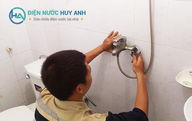 Thợ sửa chữa điện nước tại Đống Đa