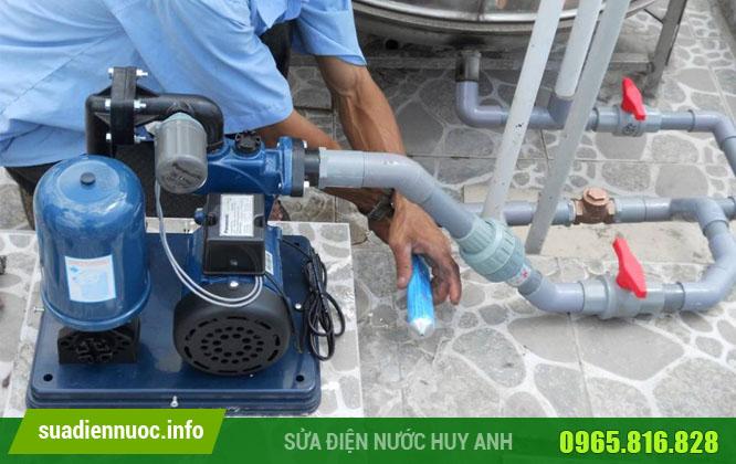 Đội ngũ thợ sửa chữa máy bơm nước Từ Liêm lành nghề