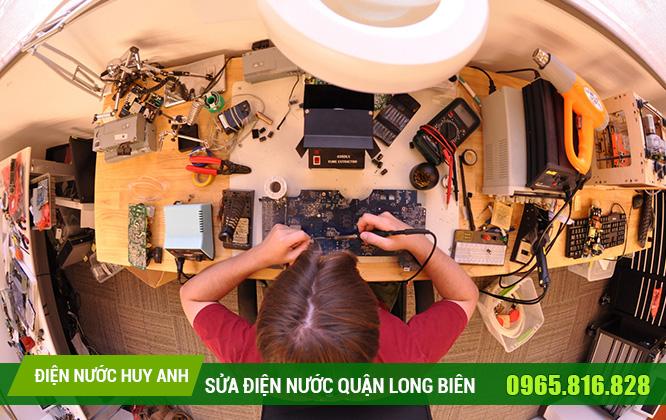 Thợ sửa chữa điện nước tại Bồ Đề giá tốt